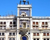 Offer B&B in Venice for the visit at the Clock Tower in St. Mark's Square